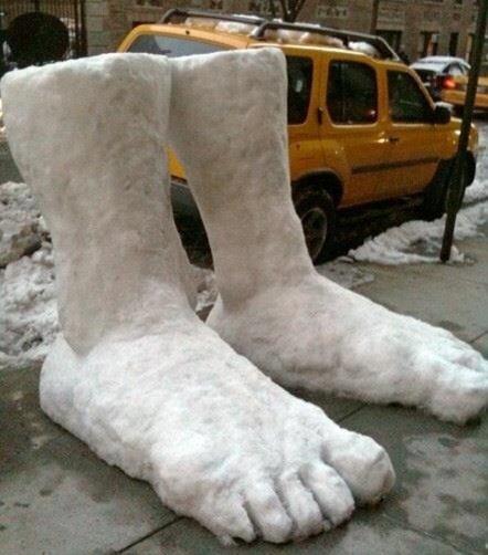 2 Feet of Snow in NYC #jonasblizzard https://t.co/eKvgEUmg9c