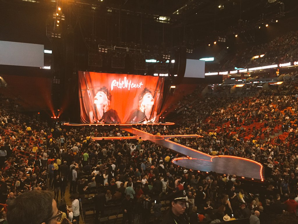 My Saturday night is better than yours! #Madonna #RebelHeartTour #Miami @Madonna https://t.co/lEQkW8Kdus