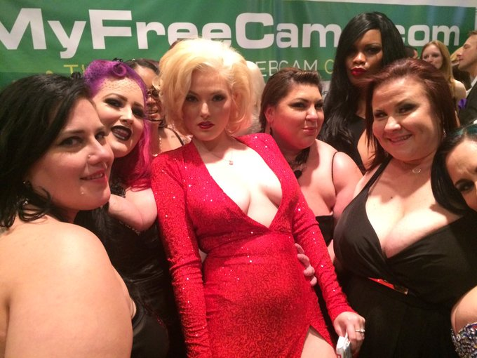RT @ElizaAllure: I'm such a fan girl #Bbw love @JennaIvoryxxx @avnawards https://t.co/VwNJHuO5t5