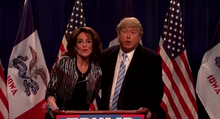 'SNL': Tina Fey Returns to Skewer Sarah Palin For Donald Trump Endorsement: