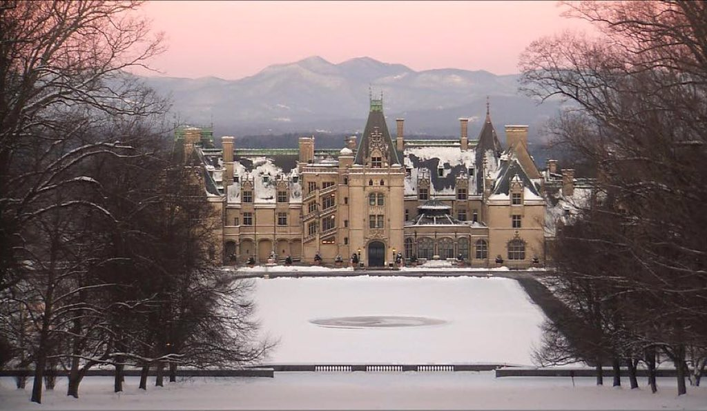 A beautiful view this morning! Taken from @WSPA7 webcam at 7:50am. #Biltmore https://t.co/snYXQmkR3B