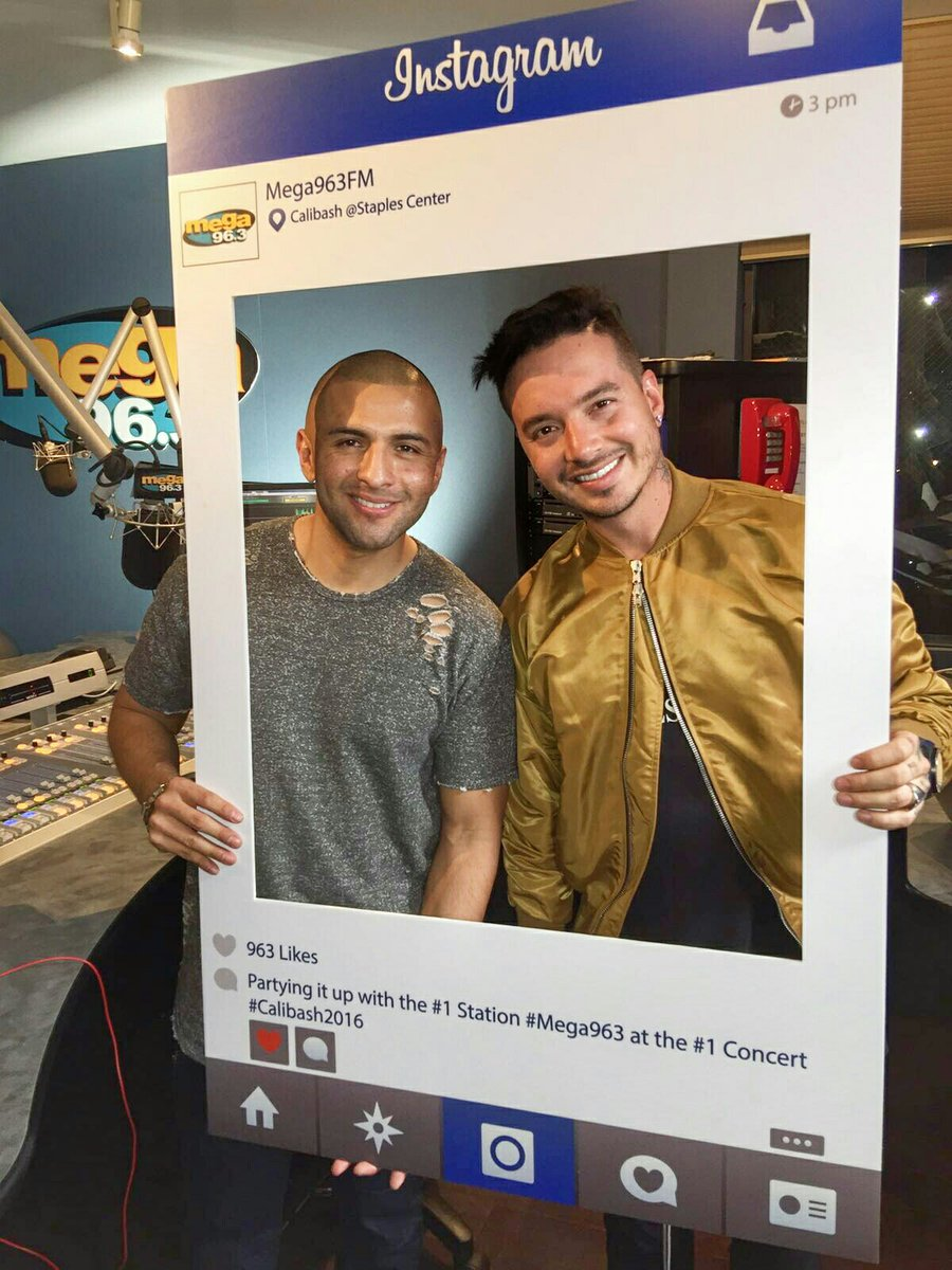 Entrevista exclusiva con @JBALVIN por @mega963fm escuchala aquí #calibash2016 https://t.co/L54x6DIsfl https://t.co/hoXVEfLuG8