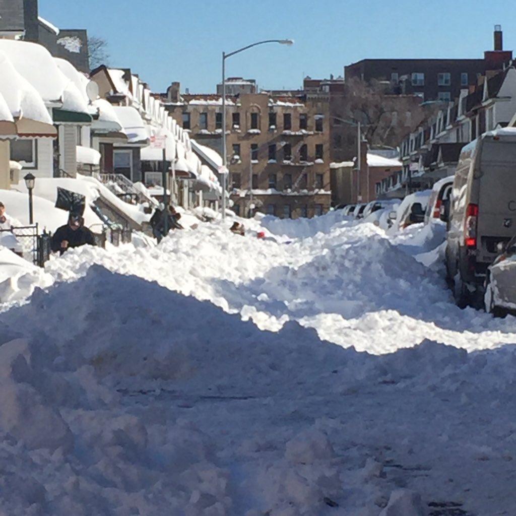 Stuck in Queens. The big dig tonight on @CBSEveningNews https://t.co/KvNKm0hyJd