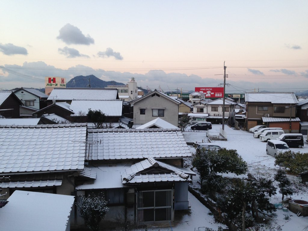因島も雪が降った https://t.co/M6nOX4mFTg