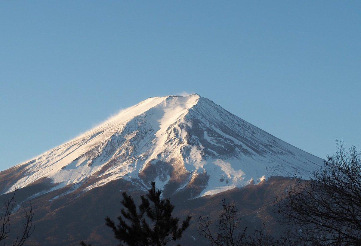 「毎日富士山」2016年1月25日。気温-10℃らしい。  OM-D E-M10 ズイコー40-150mm/F4-5.6 で撮影 #fujisan #mtfuji #富士山 #富士山ノ会 https://t.co/fx2Al6zgrl