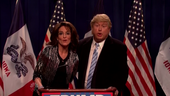 SNL: Tina Fey Returns to Mock Sarah Palin for Donald Trump Endorsement
