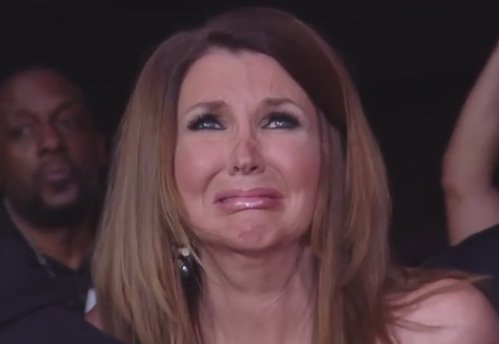 Here is @TNADixie watching the #WWE #RoyalRumble right now. #AJStyles https://t.co/OHq5GnFwqy
