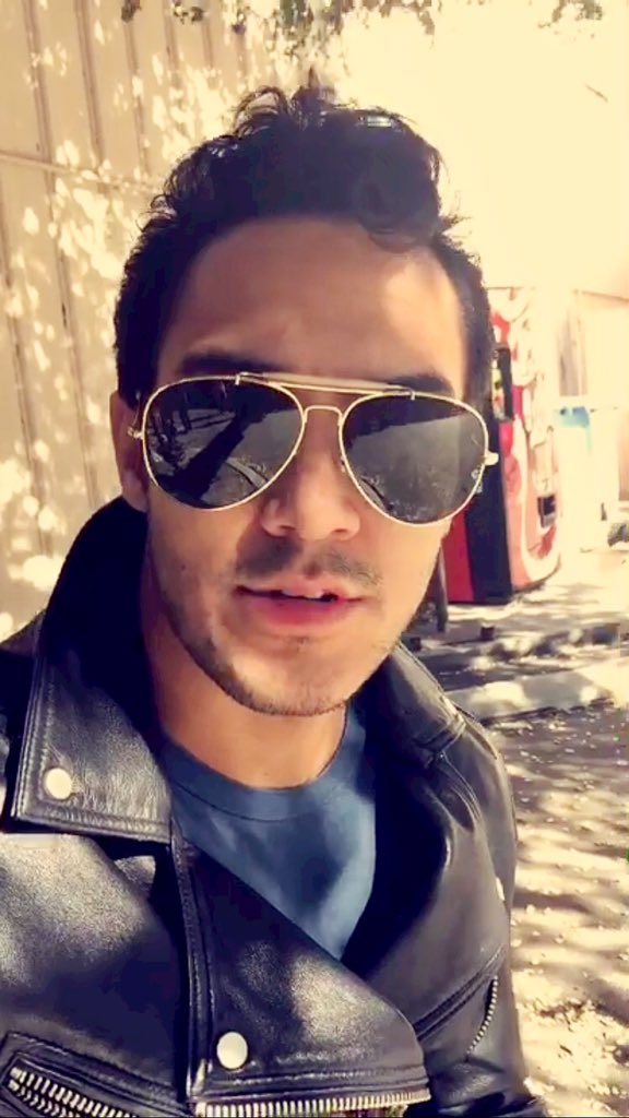 PHOTOS: @TheCarlosPena on snapchat today. Add: los89 https://t.co/qi3Nt7wSNq