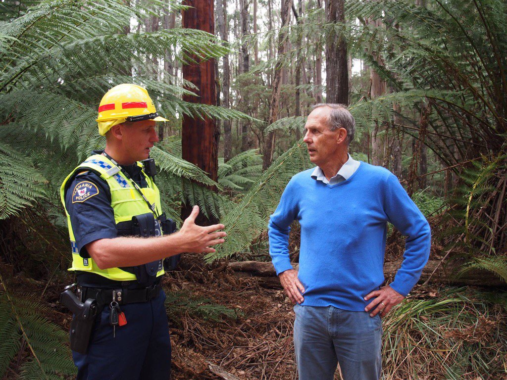 Bob Brown charged under draconian anti-protest laws: defending forests, wildlife & community at Lapoinya. #politas https://t.co/OaKjqCIpfS