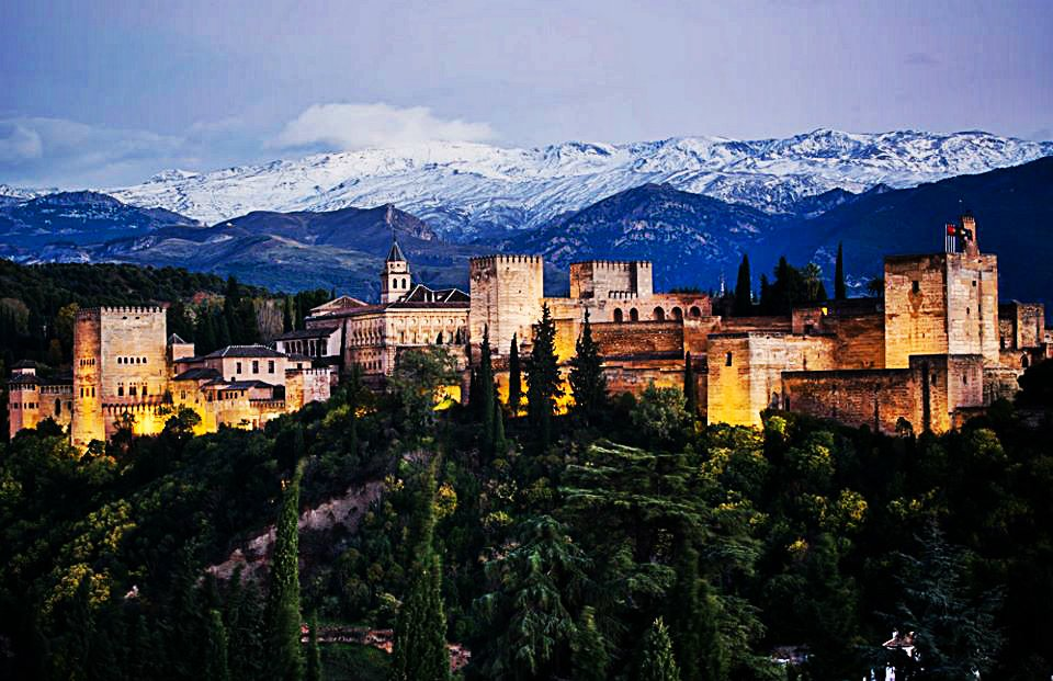 Los 10 Monumentos más espectaculares de España https://t.co/44Z1uqhWCG #viajar https://t.co/voIhdeOxjN