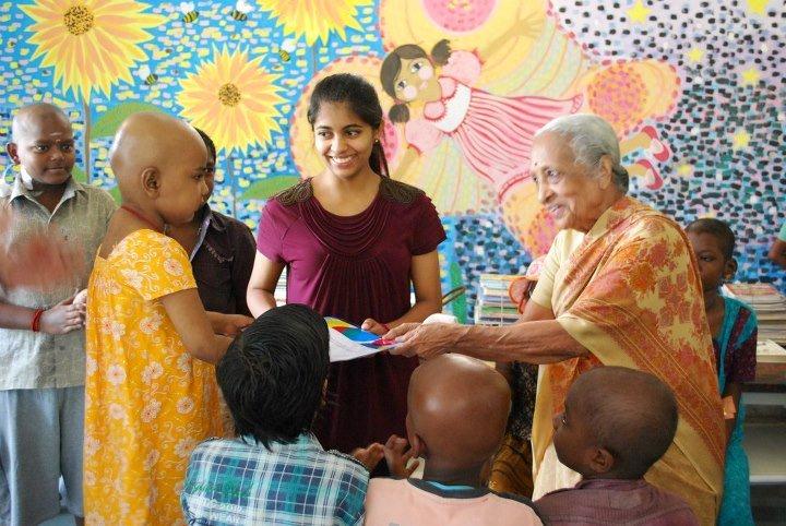 அடையாறு புற்றுநோய் மருத்துவர் சாந்தா அவர்களுக்கு பத்ம விபூஷன் விருது https://t.co/WYCoKqh5Mb