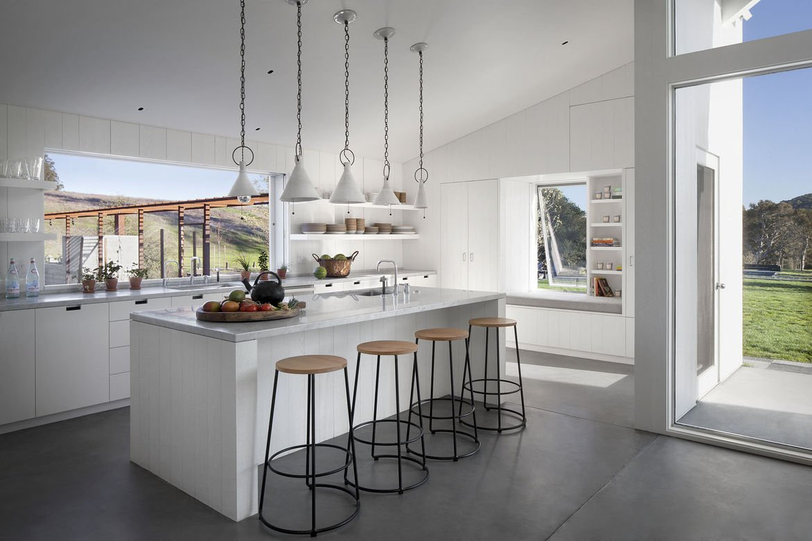 A1: As the kitchen becomes central to work/hosting/cooking, it needs to feel open like the living room.#ModernMonday https://t.co/GwihUSSLNJ