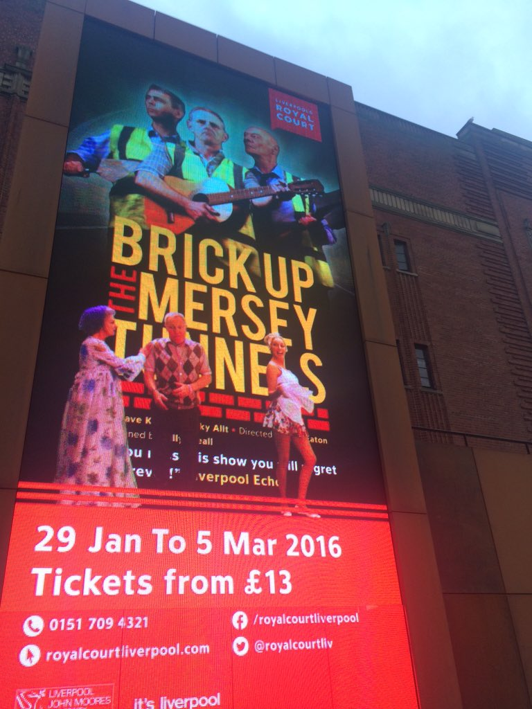 Technical Rehearsals today @RoyalCourtLiv look who's on the new huge digital screen #BrickUp #Comedy #Musical #Lpool https://t.co/ExP6godOWw