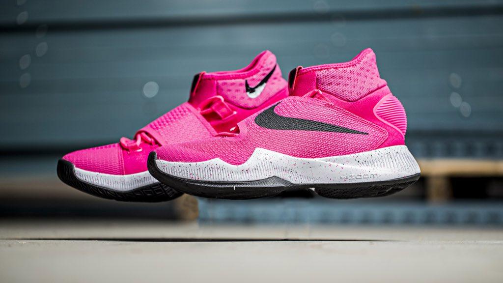 nike foamposite boots nike hyperrev pink