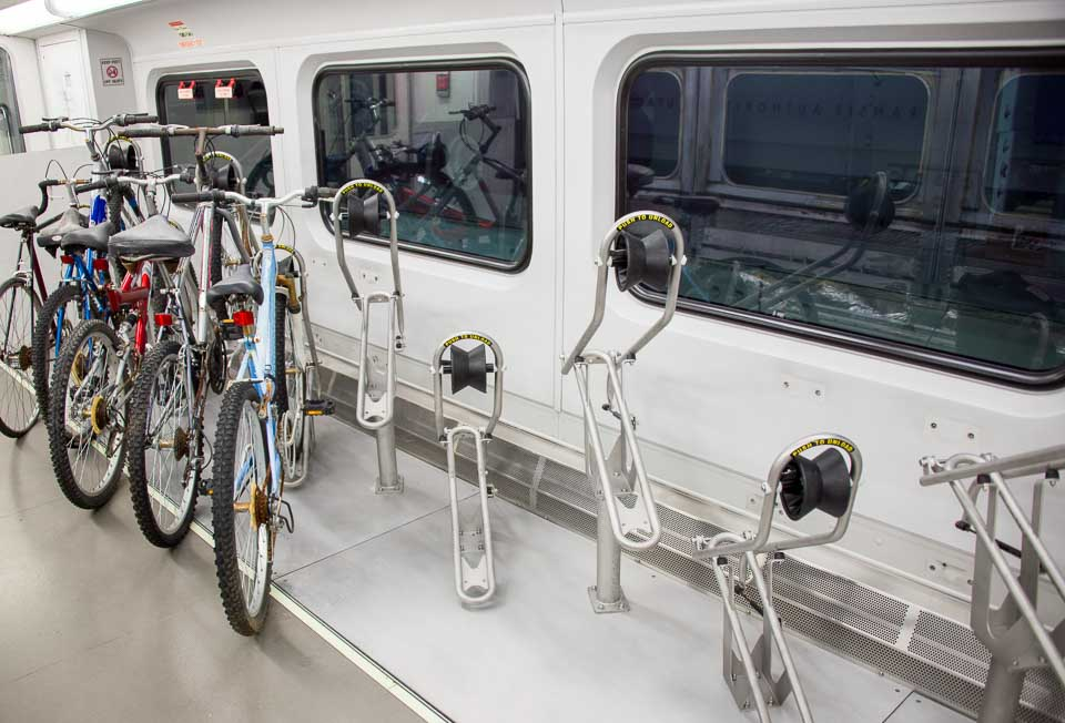 We're testing a new bike rack on FrontRunner. If you try it, tell us what you think! https://t.co/hXpj4a8EBC https://t.co/FUX3Y3bQ8D