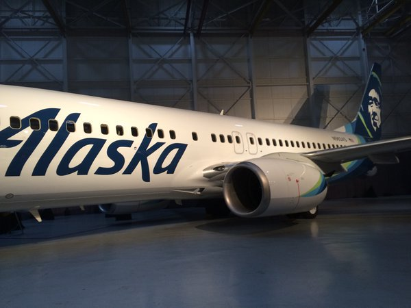 Likely image of the new @AlaskaAir livery. Yikes! #AvGeek #PaxEx https://t.co/di7KHx0qkq