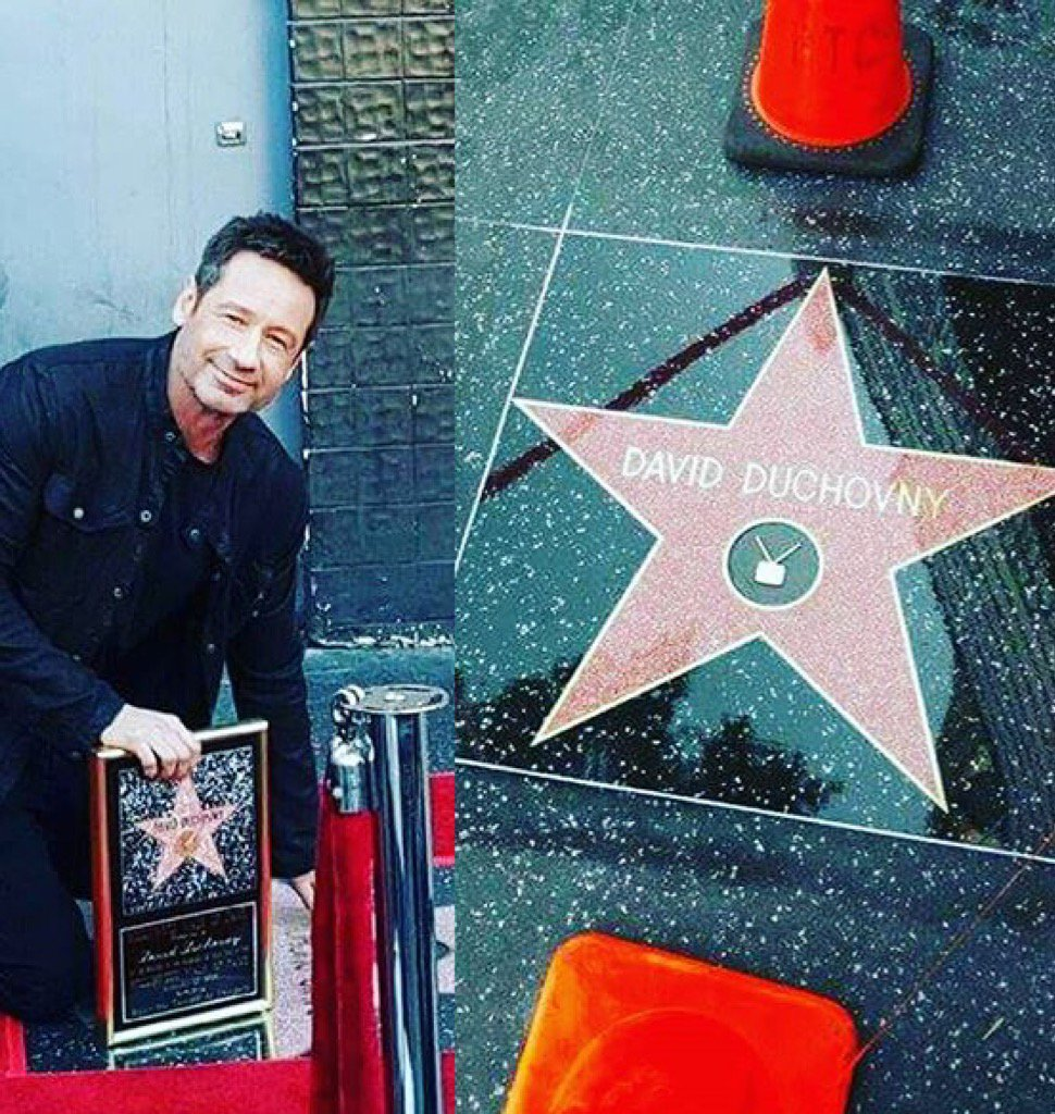 #DavidDuchovny got a star on the walk of fame! #XFiles #Aquarius  #AskAngel https://t.co/54G13ZexYH