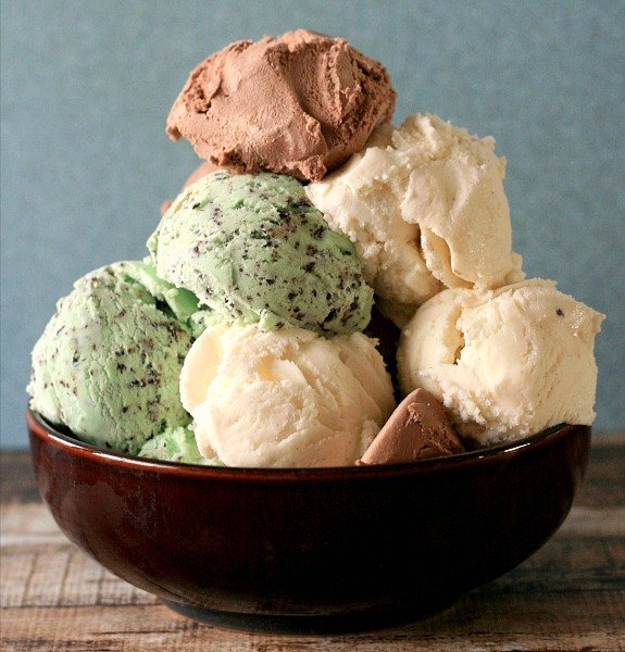How many scoops are in this bowl? Answer by 5pmET to #win some FREE Turkey Hill Ice Cream. #THTrivia https://t.co/4xT8WyHJPj