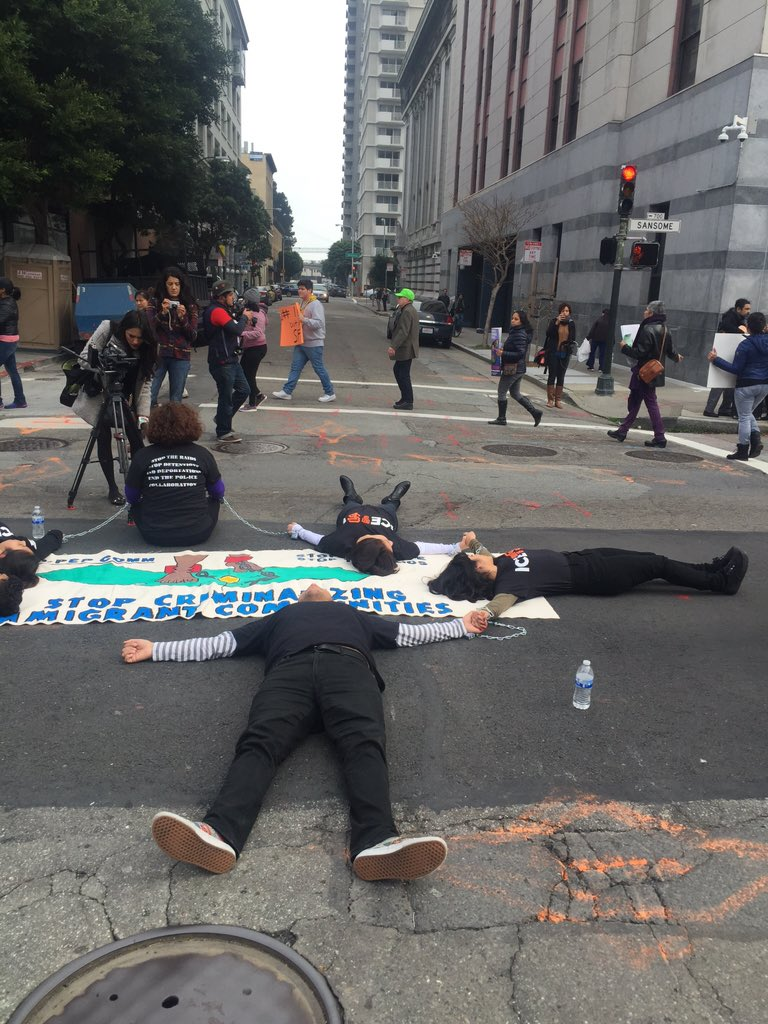 Also blocking Jackson & Sansome in front of #ICE @CIYJA #ICEoutOfSF #StopTheRaids #Relief4Refugees #Not1More https://t.co/MWsZkrve4w