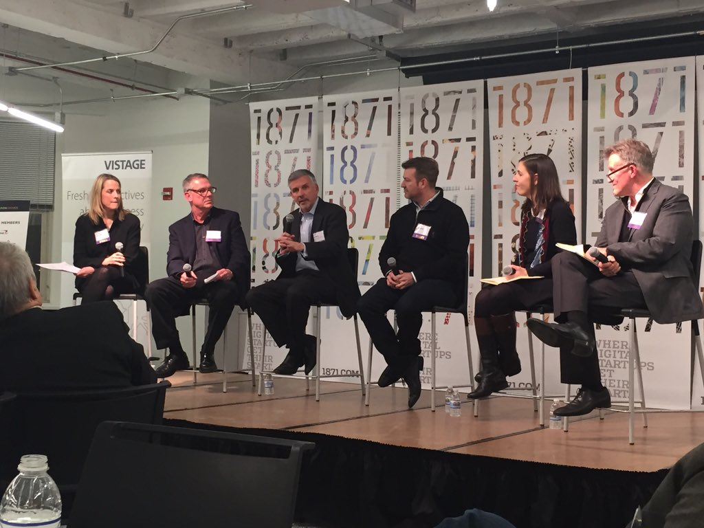 """""""Give people the opportunity to think about the business in a broad way"""" @leobottary #BestAdvice #InnovateChicago https://t.co/h6gxlXhVIj"""