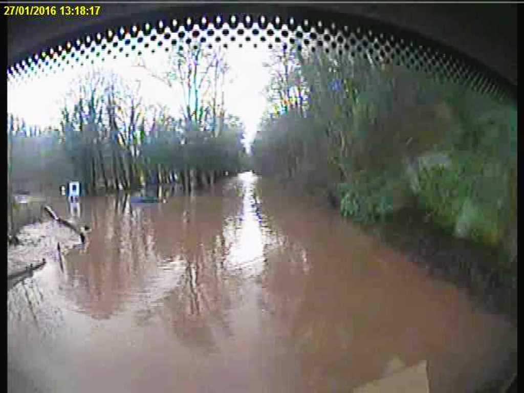 A68 closed north of Jedburgh beside Riverside Park rugby ground. Pic on our fleet vehicle camera just now #sbctravel https://t.co/xGu56aXjwE
