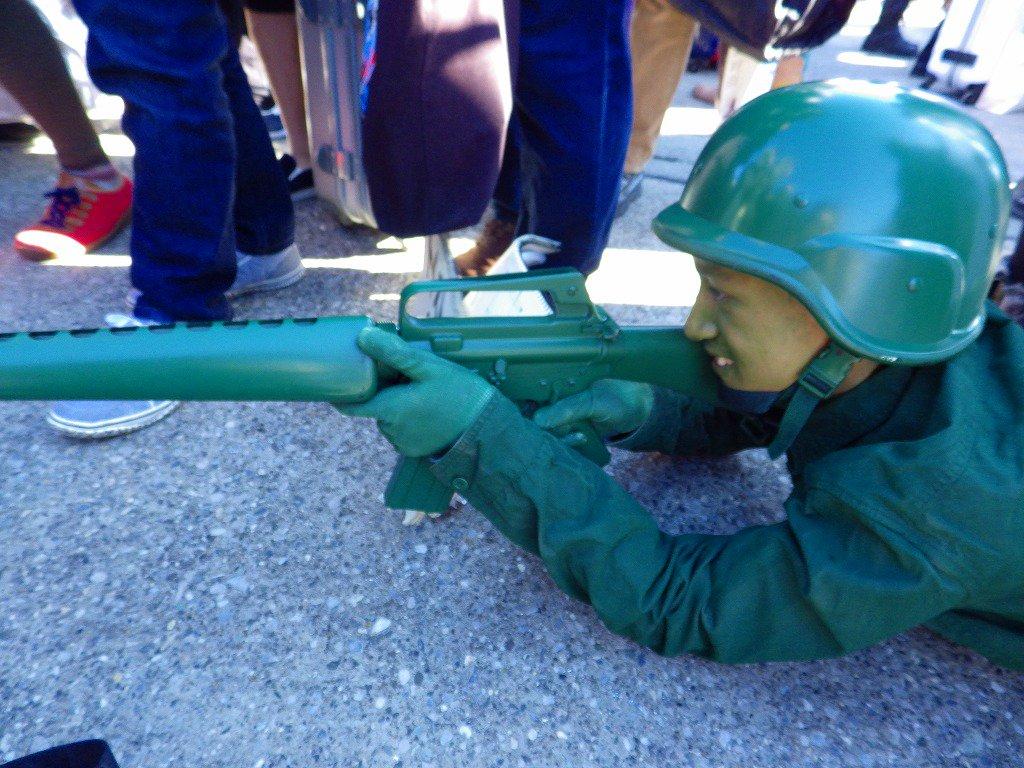 今更コミケたけしぃー さん、トイストーリーに出てた軍隊の玩具のあれ#コミケ #C89コスプレ #C89 #コスプレ