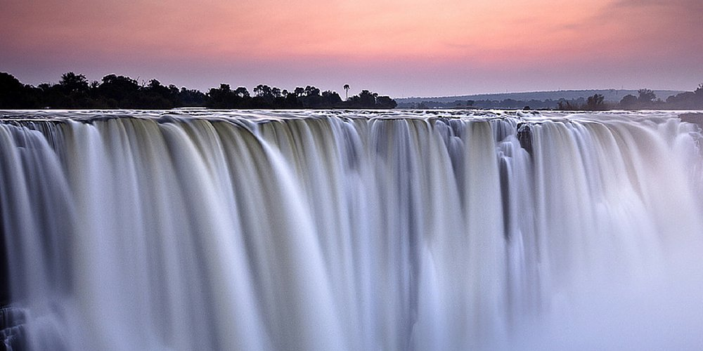 These 25 waterfalls are bucket list worthy according to @HuffingtonPost! GoSeeZambia  👀 »