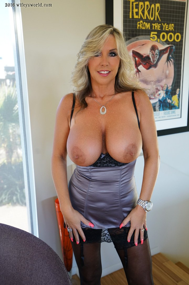 Booby Wednesday- anyone like them? Come see more! ozUGsrG0cs 731m0Pchwb