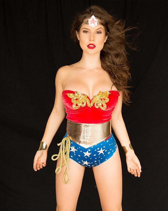 RT @guitarboy1994: Amanda Cerny officially have 3 million followers on Instagram, Congrats @AmandaCerny