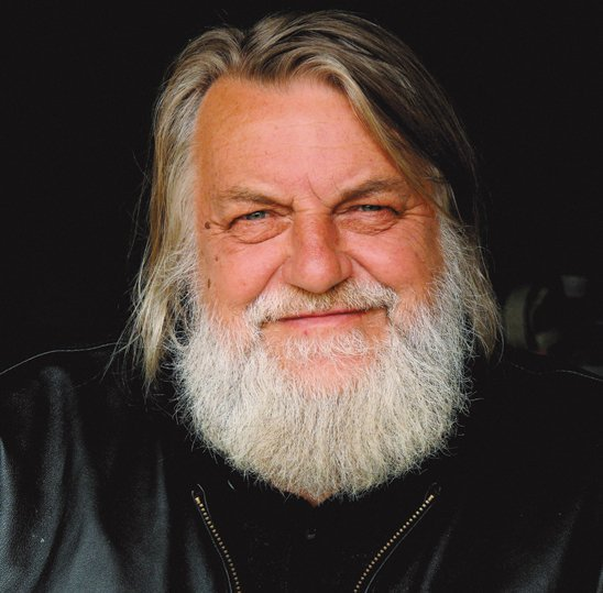 I know Robert doesn't do Twitter but…  let's give a big HAPPY BIRTHDAY! to ROBERT WYATT #HappyBirthday #RobertWyatt https://t.co/Khxqay5oJu