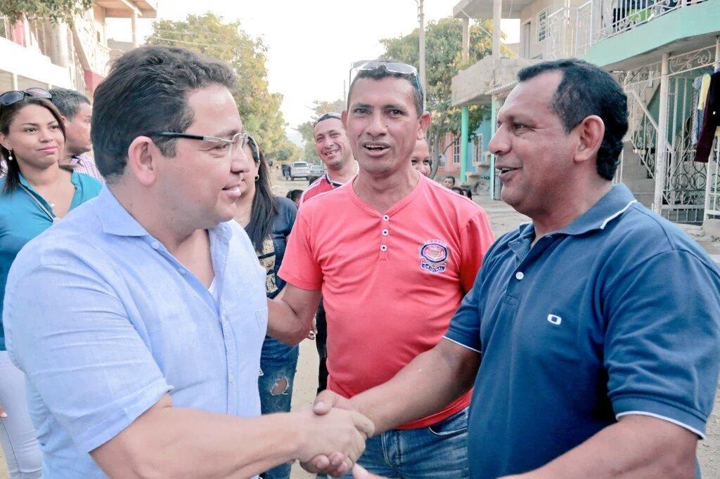 .@mrafael70 invitó a samarios a defender los intereses de la ciudad ante pretensión de millonario cobro de MetroAgua https://t.co/m2kcqIdDuJ
