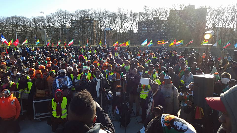 Je vous dit : on a plus peur !! On reste debout !! #Gbagbo #BleGoude #ProcesDeLaHonte https://t.co/jmStSX5VOC