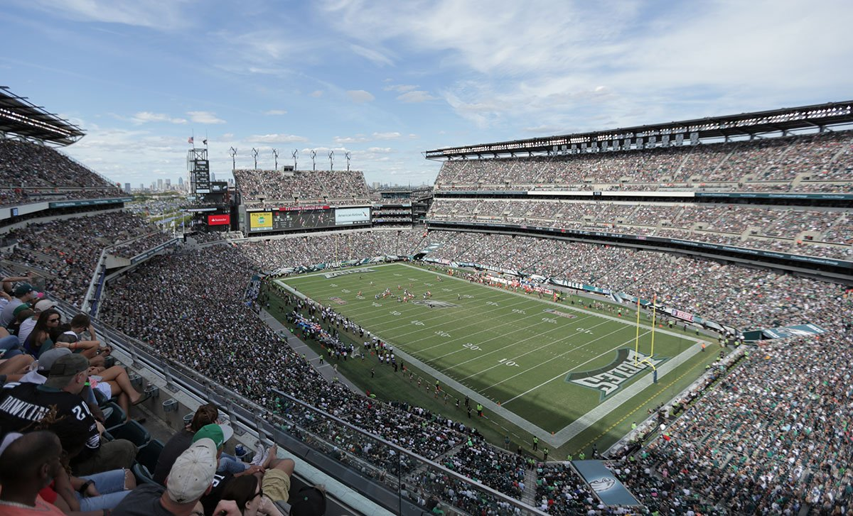 #Eagles 2017 single-game tickets go on sale tomorrow at 10AM.  Find tickets here: https://t.co/VHVtifzJsv https://t.co/0HzS2oMxDV
