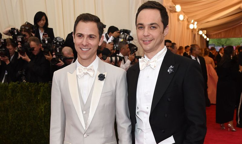 Sheldon from The Big Bang Theory just got married IRL and he looks SO