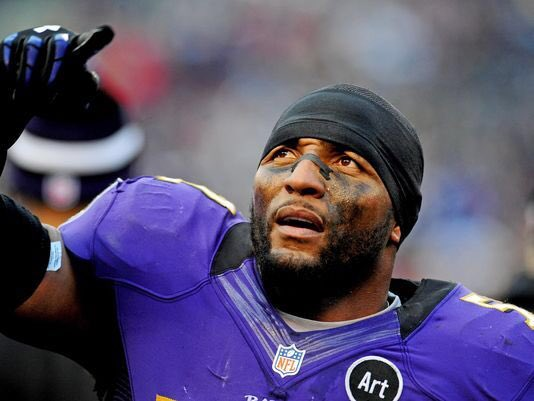 Happy birthday to football legend Ray Lewis - he\s 42 today