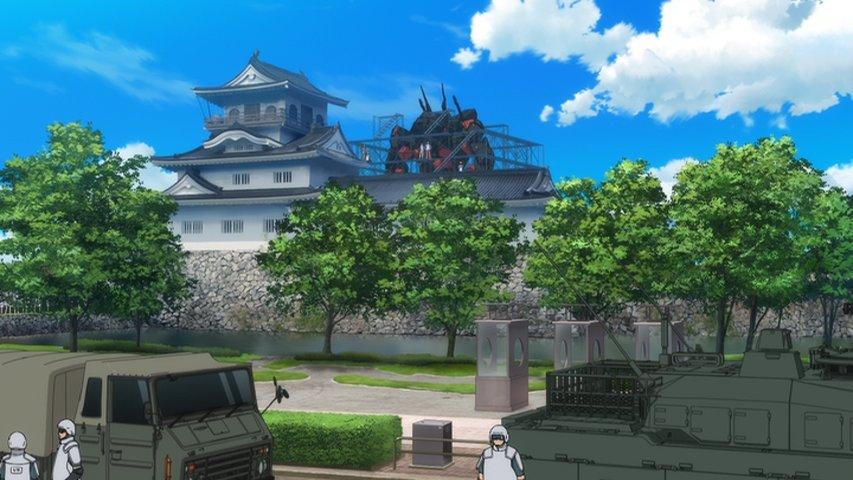 富山県民的にクロムクロ見てると、自分のよく知った景色にロボットや自衛隊の車輌が映ってるのってなんとも言えない非日常感があ