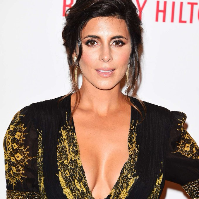 wishes Jamie-Lynn Sigler, a very happy birthday