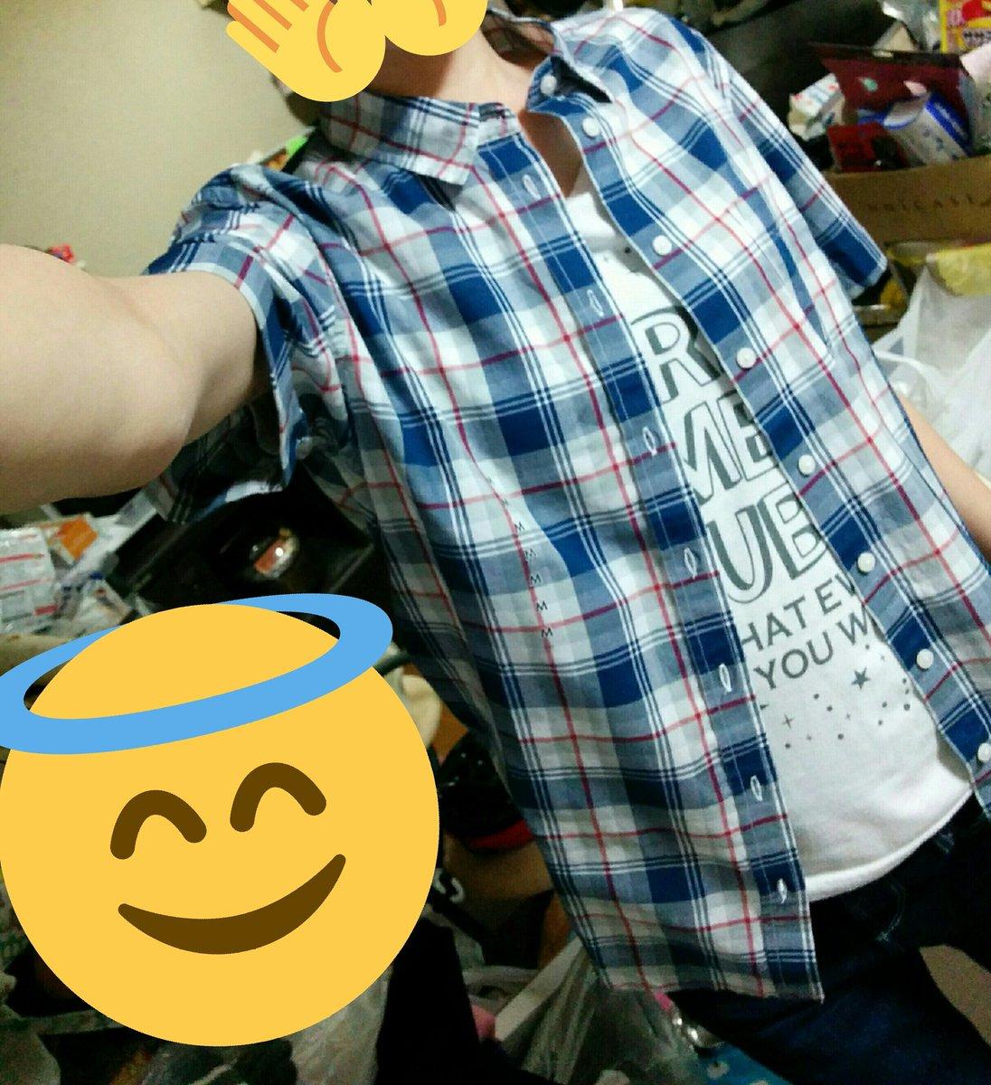 このシャツ見つけた瞬間に「色とか違うけどラブステの泉水の私服と似てね??」と思って衝動で選んだ