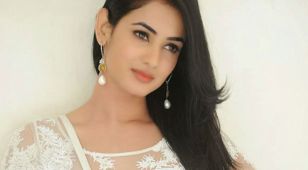 "Happy Birthday Dear ""Sonal Chauhan\"""