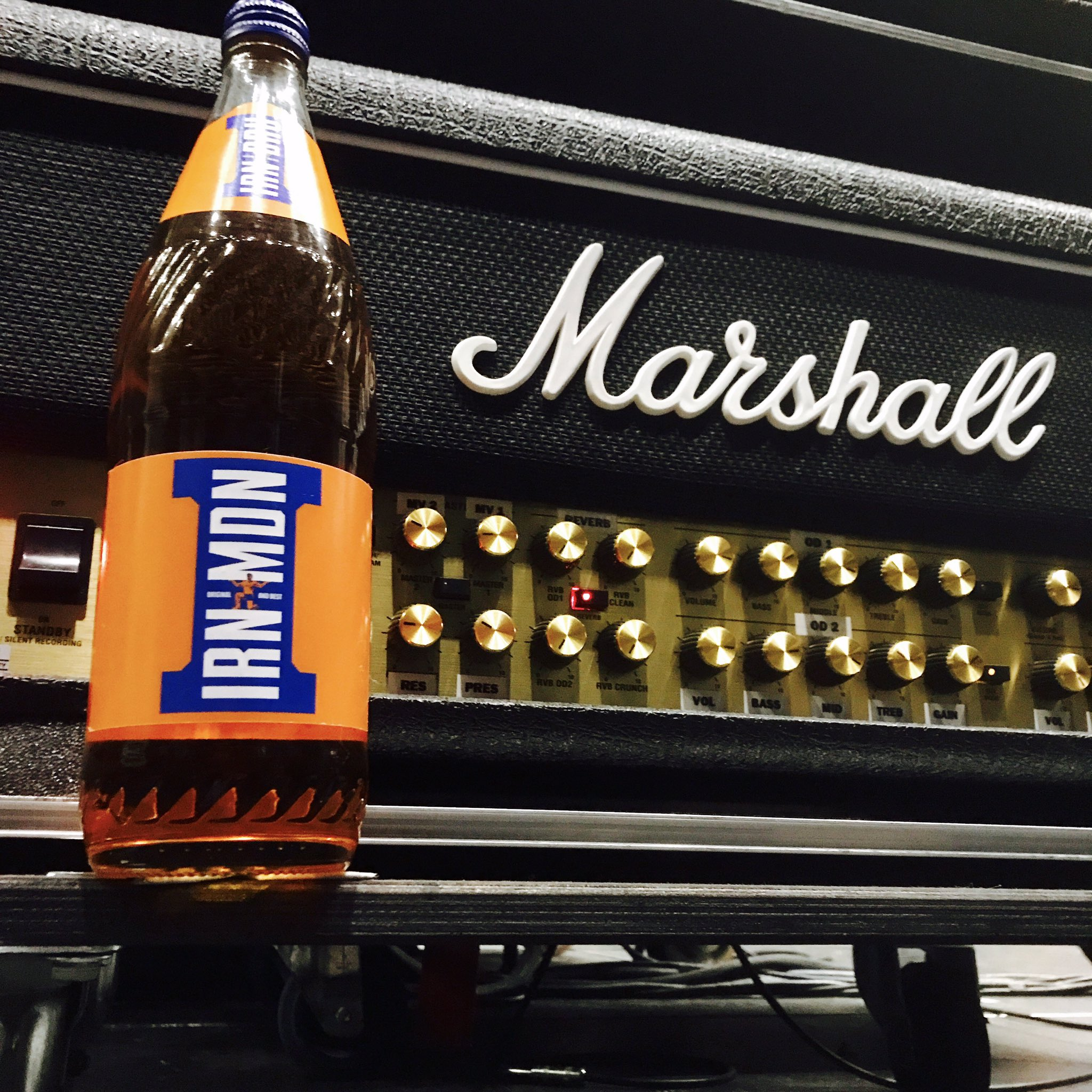 Hats off to @irnbru, who had these delivered to the @TheSSEHydro. Irn Bru for the Krew! #IronMaiden #TheBookOfSoulsWorldTour #Glasgow https://t.co/4HD5Kgccy0