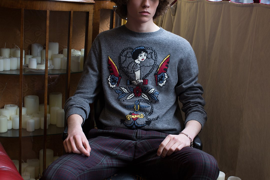 Remarkably soft and lightweight: #Fall17 classic crew-neck sweater with Old School Tattoo embroideries. https://t.co/wijx1XeGFC