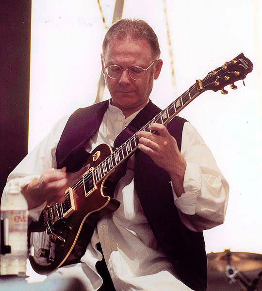 Happy Birthday wishes to Robert Fripp