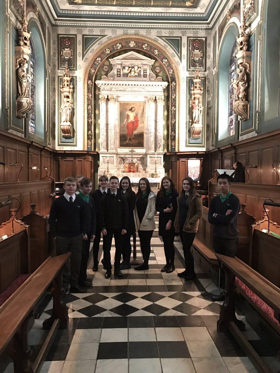 test Twitter Media - Visiting the chapel at Pembroke College Oxford. @BrilliantClub @Ferndalesch https://t.co/c6yYlxZoHF