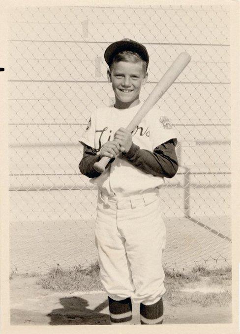 3,154 hits, 317 homeruns, 1,596 RBI. Happy Birthday to Hall of Famer George Brett!