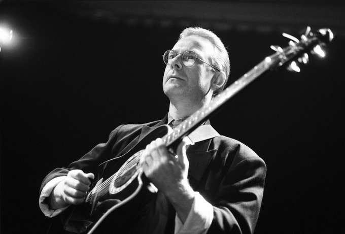 Happy birthday Robert Fripp! Here\s why he\s one of the greatest guitarists