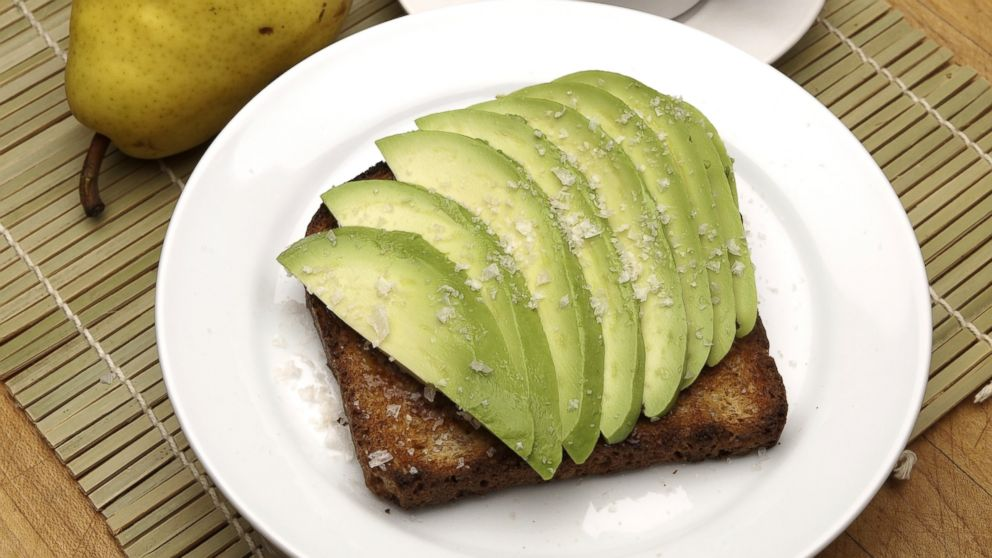 Millionaire's advice to millennials: Skip the avocado toast ��  https://t.co/DdBEdVWfJl https://t.co/sWi8vPUO4O