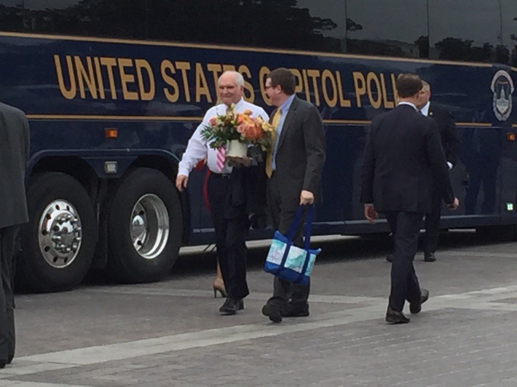 Flowers outside bus GOP members are boarding for WH https://t.co/2sTrtNlcUz
