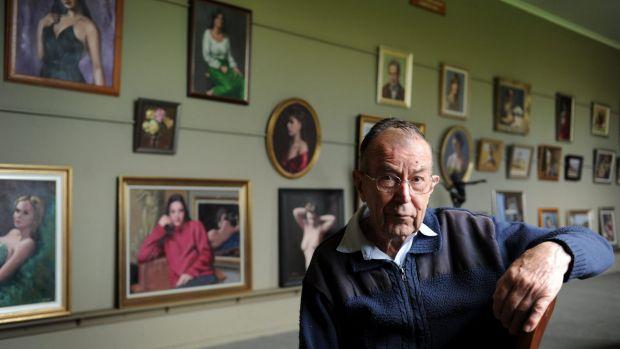 St Edmund's College mourns death of Brother Don Gallagher, beloved arts teacher