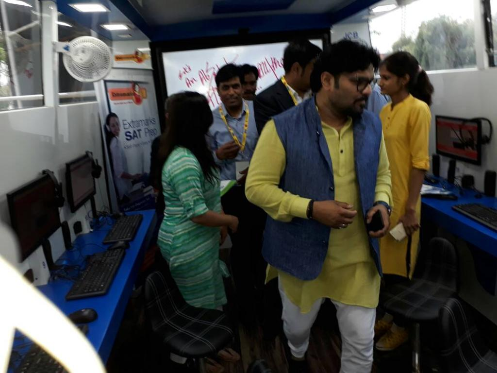 Thank you SuPriyoBabul for visiting us at the HPWorldOnWheels. We are inspired GoI MeitY CSCegov https t