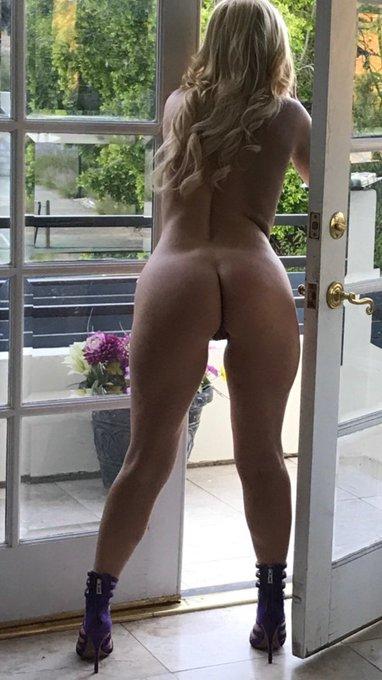 2 pic. I got caught by @ziggystarxoxo sticking my head outside to take a quick puff b4 my sex scene lol